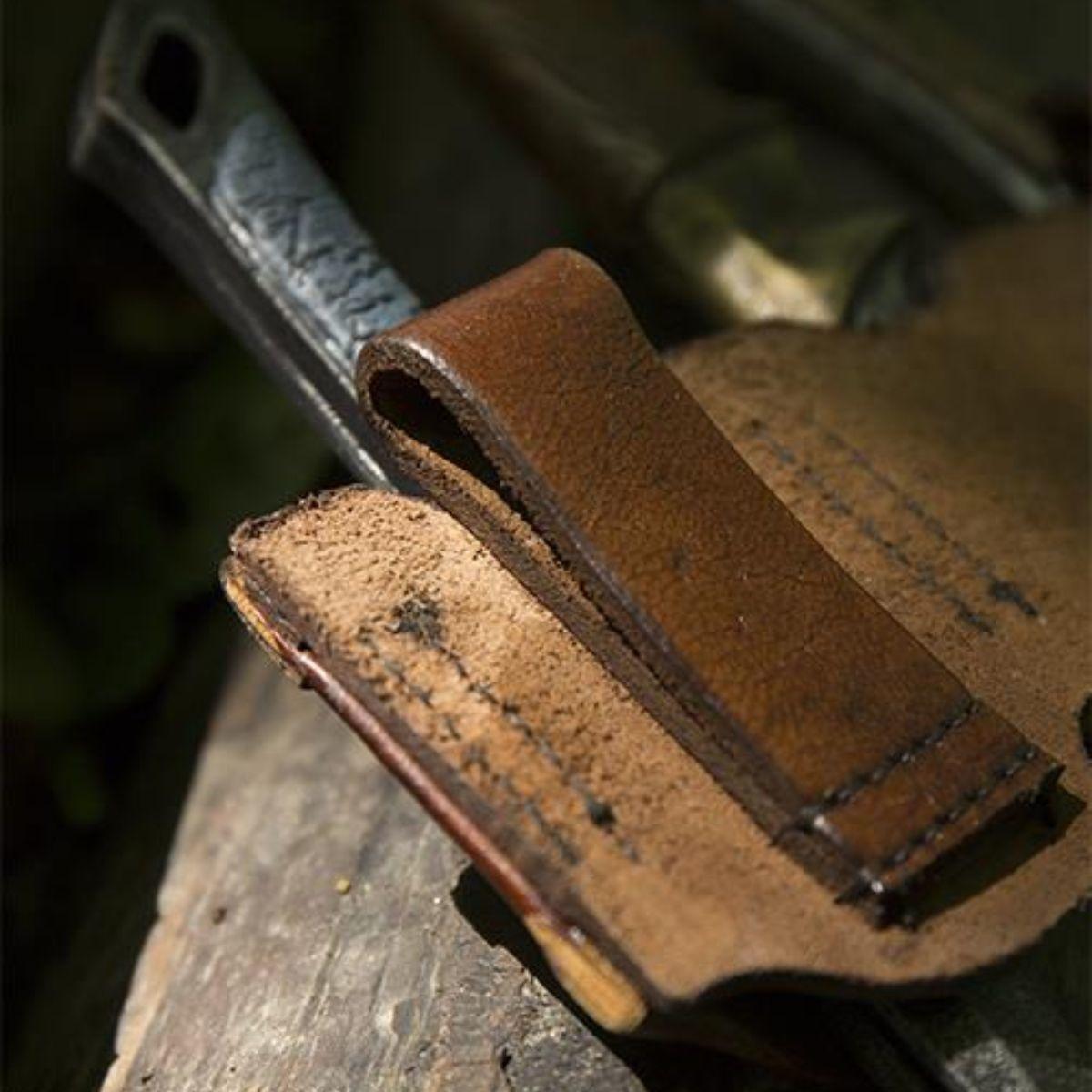 Supporto per coltelli da lancio LARP marrone, incl. 3 coltelli