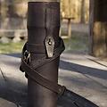 Epic Armoury Frasco térmico con soporte de piel y cinturón, negro.