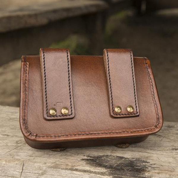 Epic Armoury Läderbältepåse Niccola, brun