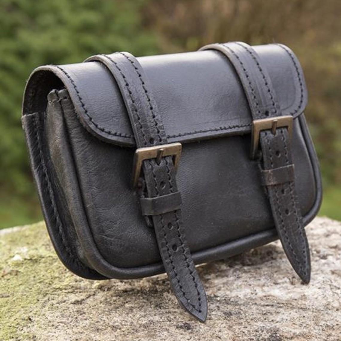 Epic Armoury Läderbältepåse Niccola, svart