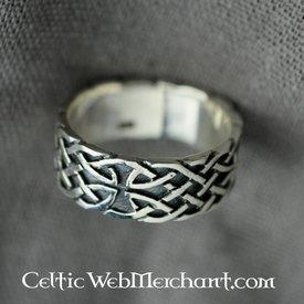 Celtic pierścień z motywem węzeł