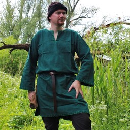 Historical tunic with authentic lining, green