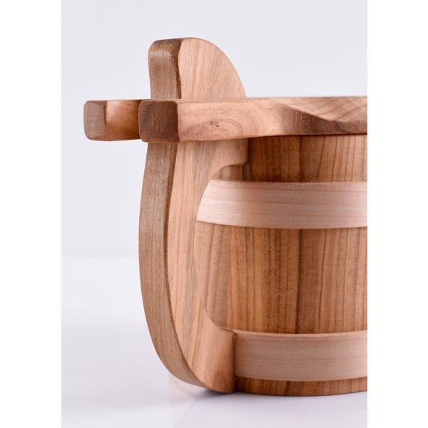 boccale di legno con coperchio