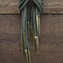 Epic Armoury Rogue Greaves avec poleyns, bronzé