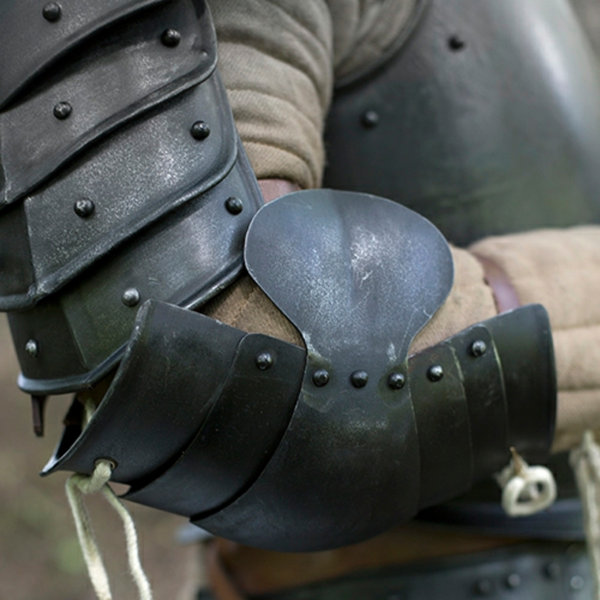 Epic Armoury Medieval couters, patinerede