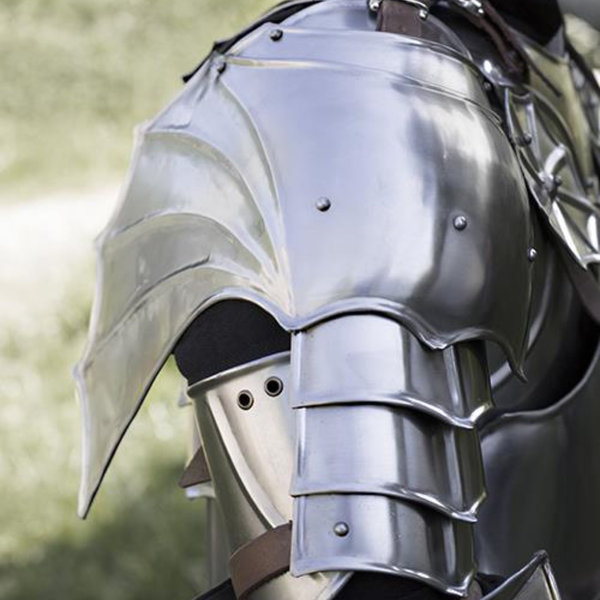 Epic Armoury gorget gothique et épaulières
