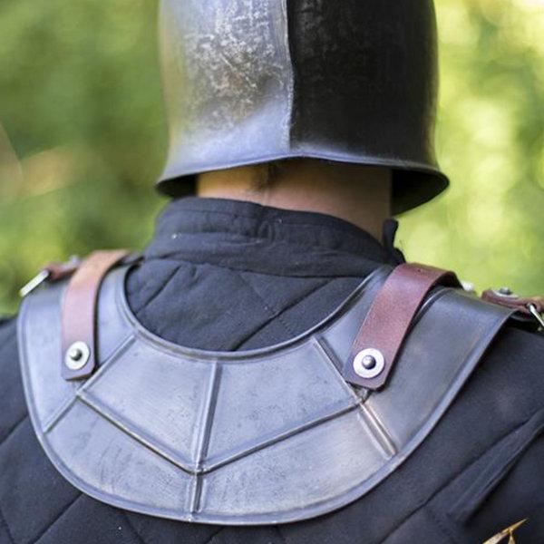 Epic Armoury Gorget Drake, patinerede