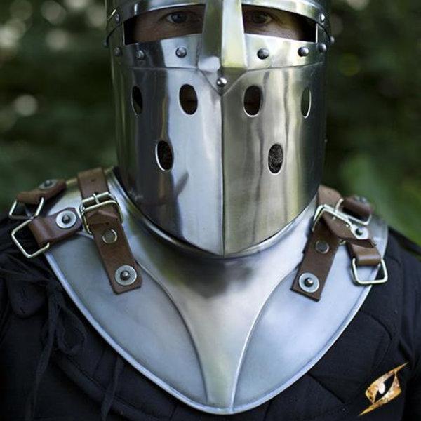 Epic Armoury gorget roi