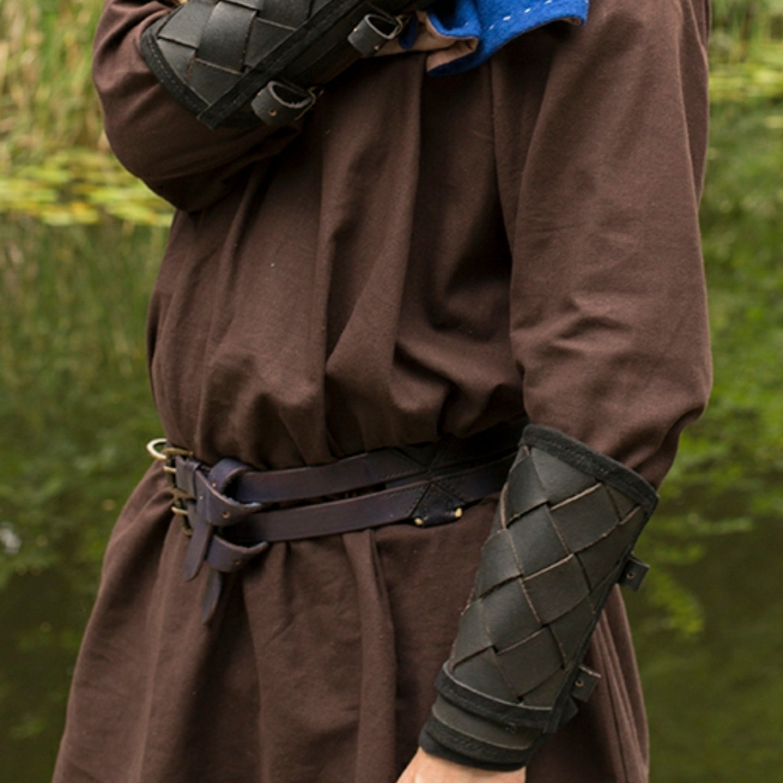 Epic Armoury Leren Viking onderarmbeschermers, zwart, paar
