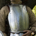 Epic Armoury Cuna medieval con remaches.