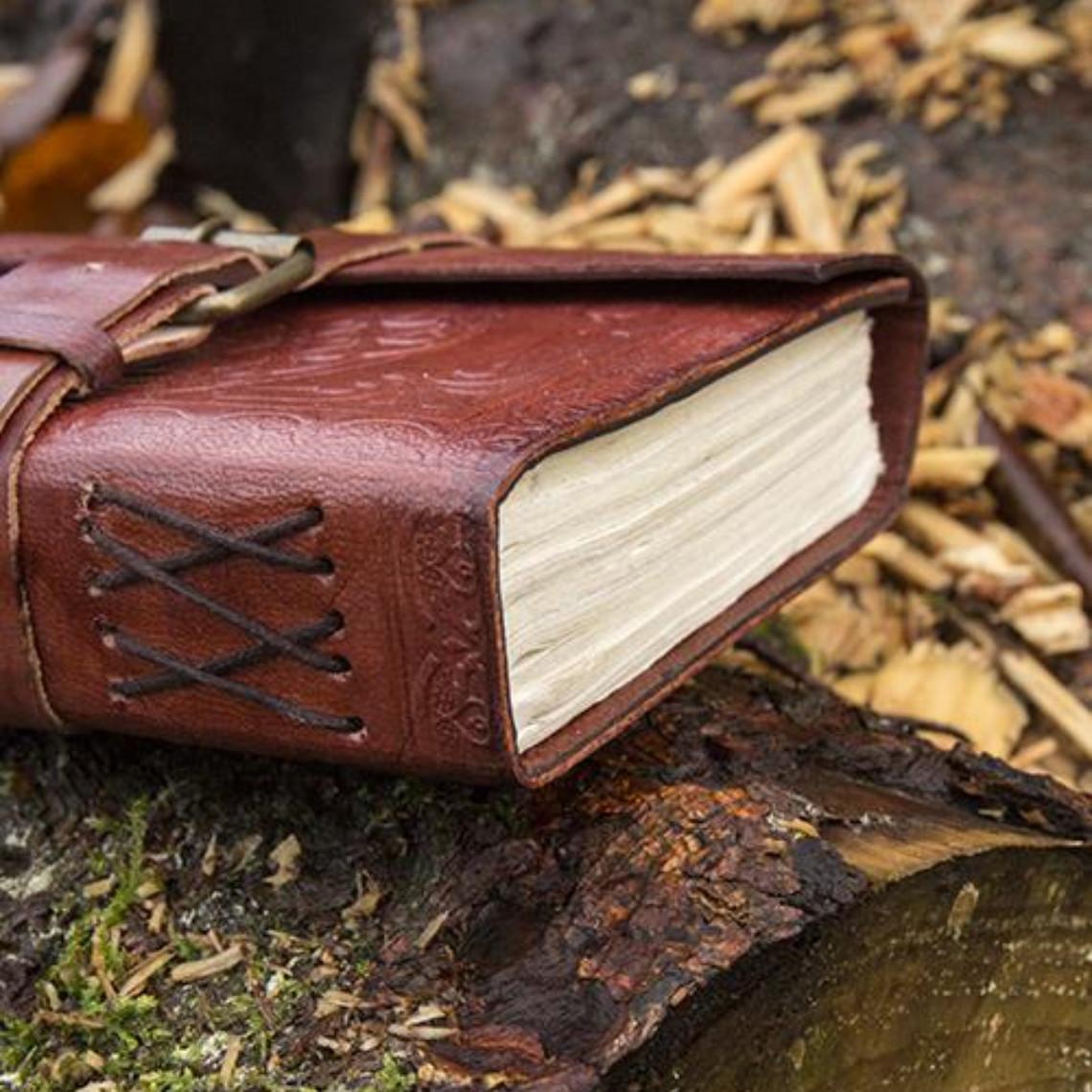 Epic Armoury Leren dagboek Burgos, klein