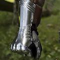 Epic Armoury guanti gotici Avignon