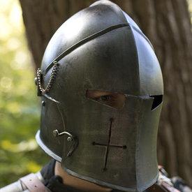 Epic Armoury Visad barbuta, patinerad