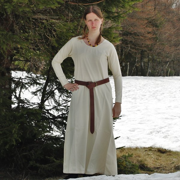 Middeleeuwse  jurk Emma, hazelnoot