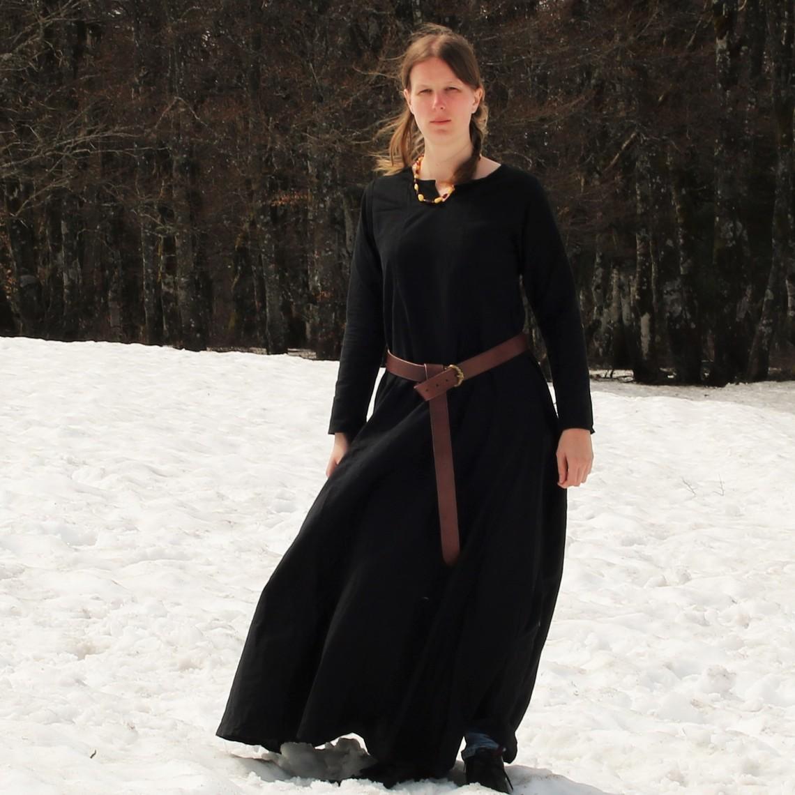 Leonardo Carbone Vestido vikingo, negro
