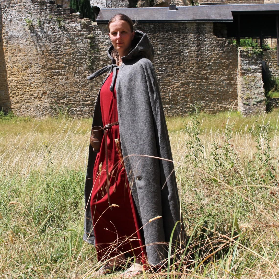 Leonardo Carbone Capa medieval con capucha, gris.