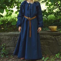 Kinder kleiden Matilda, blau