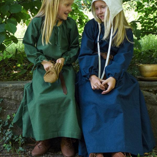 Kinder kleiden Matilda, grün