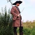 Leonardo Carbone Capa de pirata siglo 17, marrón