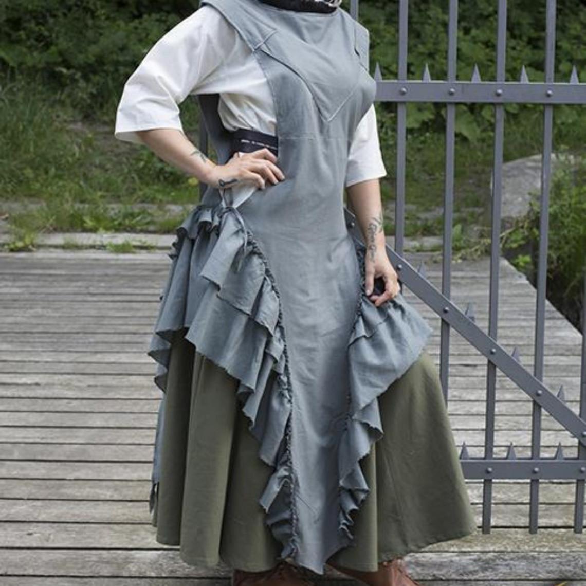 Epic Armoury Abito Raven, grigio