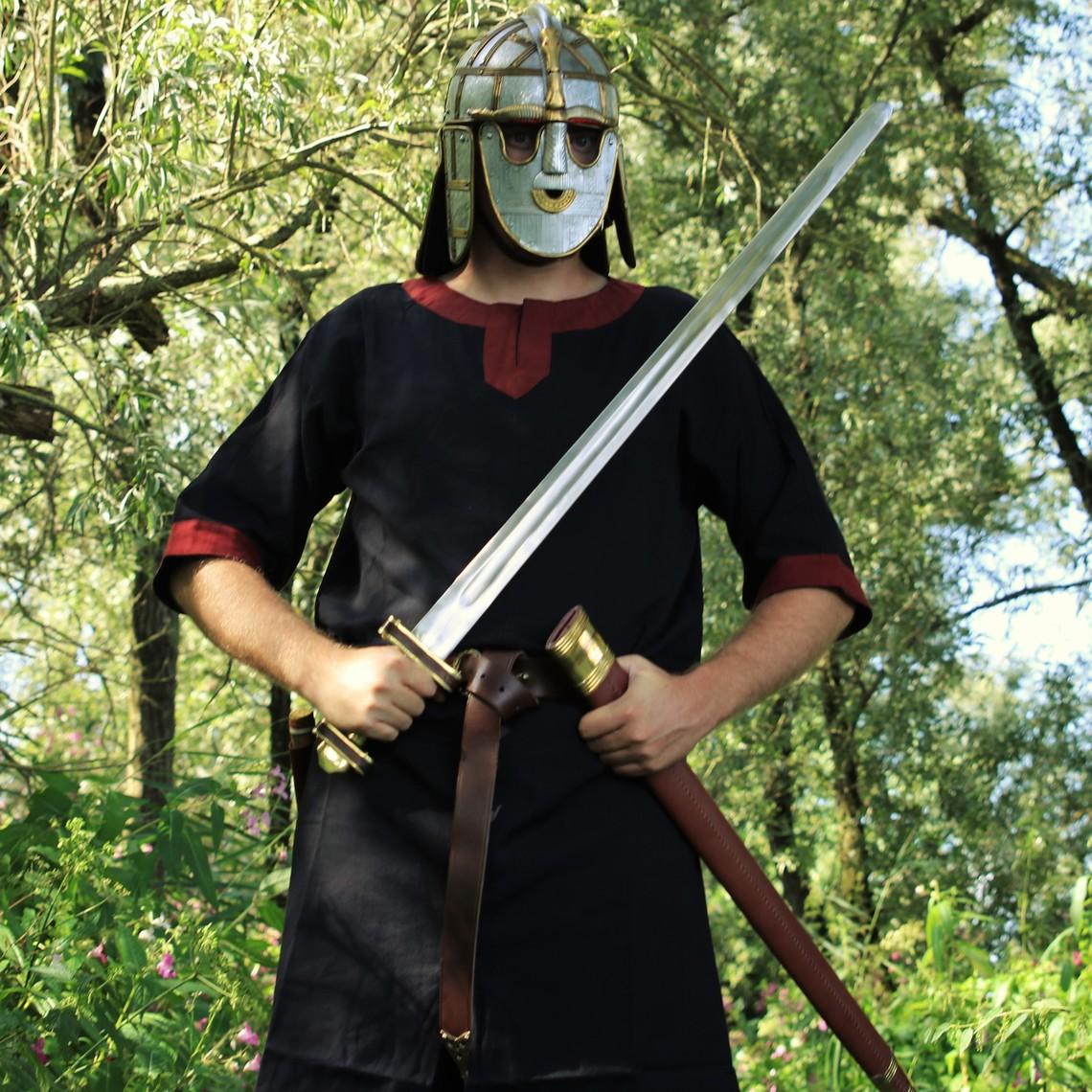Leonardo Carbone Túnica Edgar, negro / rojo