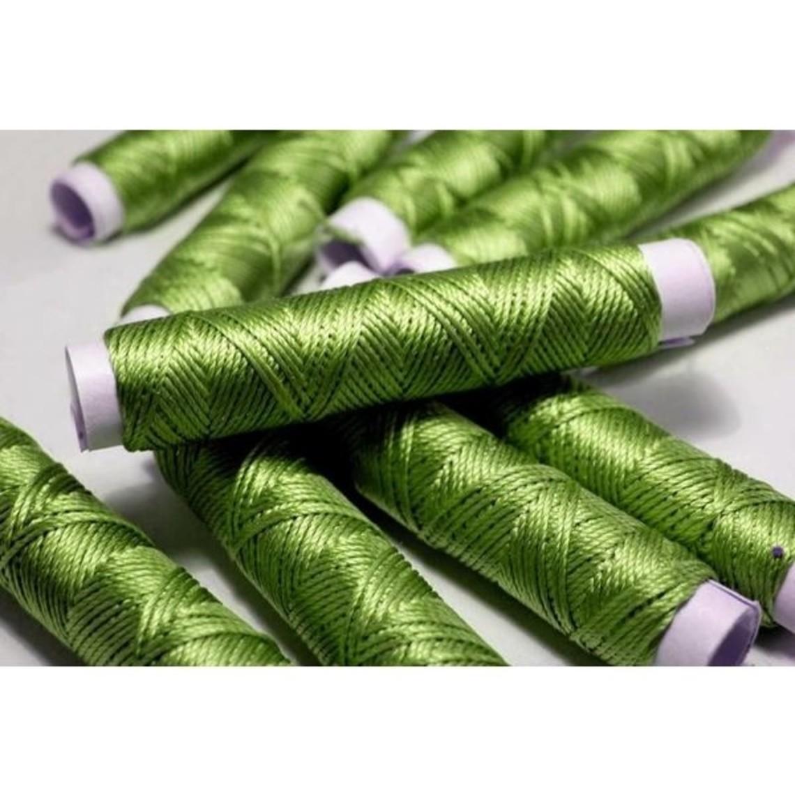 Seta filo verde smeraldo, 10 m