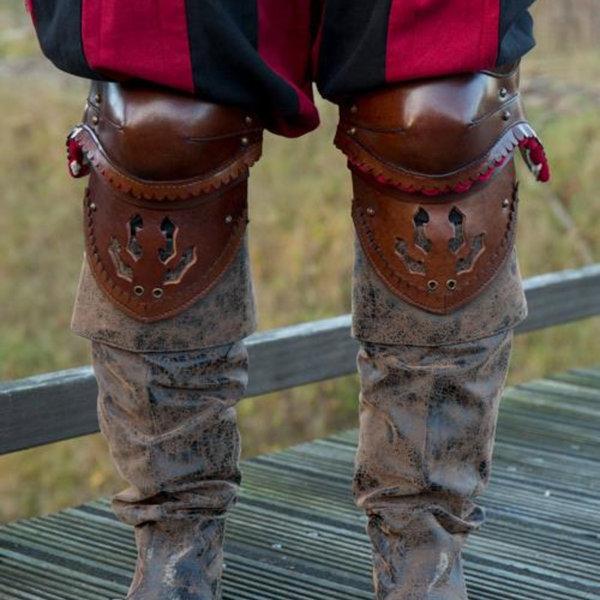 Epic Armoury Paar leren kniebeschermers, bruin-rood
