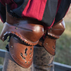 Epic Armoury Pair of leather poleyns, brown-black
