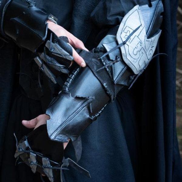Epic Armoury Bracer Claw, venstre arm