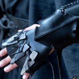 Bracer Claw, vänster arm
