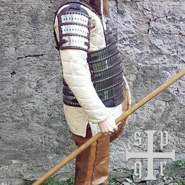 SPQR Tidig medeltid lamellär rustningar Birka