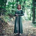 Leonardo Carbone Vestido medieval Emma, verde oliva