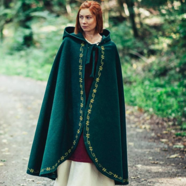 Wool cloak Ceridwen, green