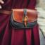 Bag Beocca med knapp trä