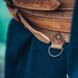cinturón celta Ruari, de color marrón claro