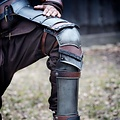 Epic Armoury Rogue greaves med polyner, bronzede