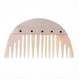 Germanic semicircular comb
