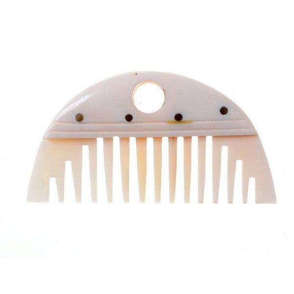 Germanic beard comb