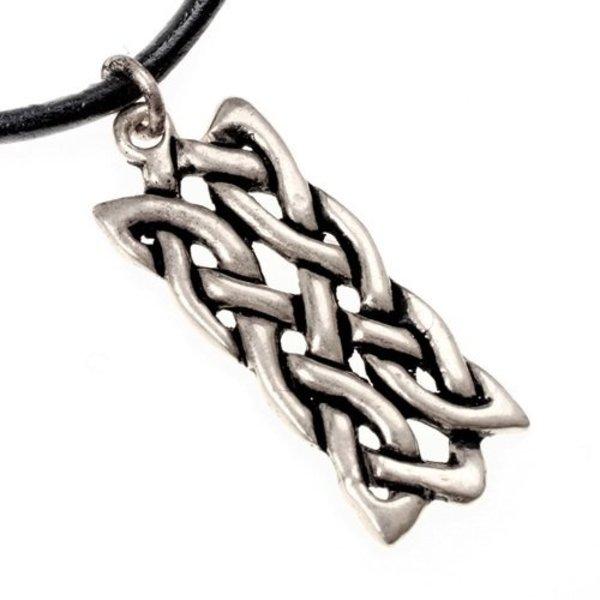 Pendant motif rectangulaire noeud celtique argenté
