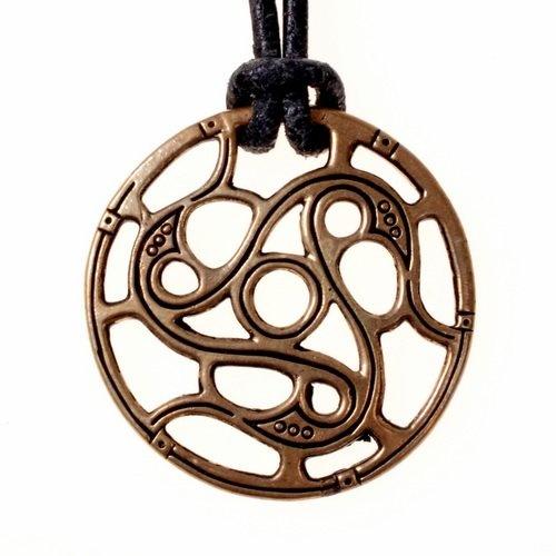 Trisquelionamulet Vendelstijl, brons