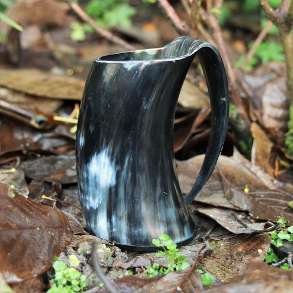 Epic Armoury Horn cup with ear 0,5L, dark