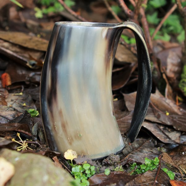 Epic Armoury Horn cup with ear 0,5L, light