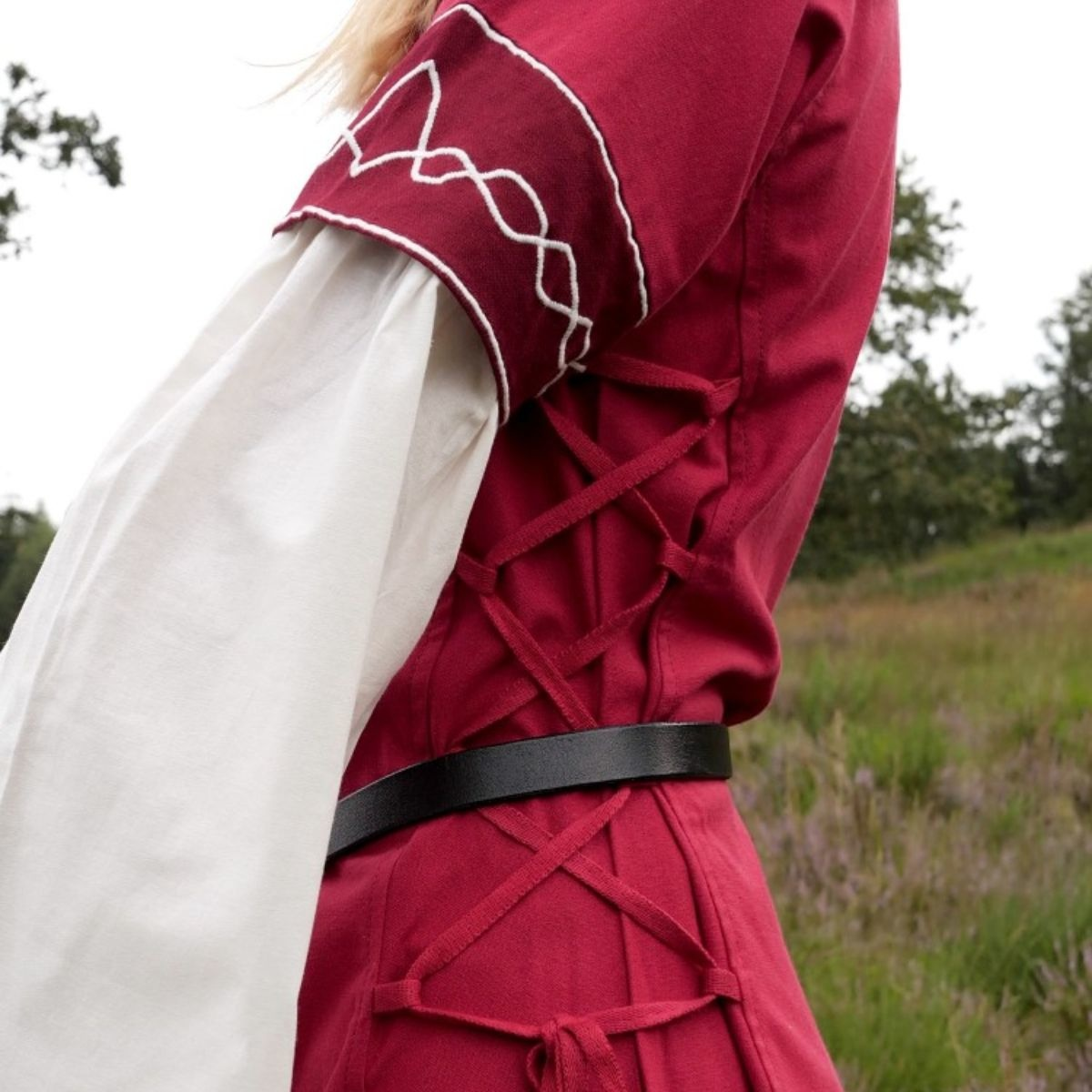 Gotische jurk Fiona, rood-naturel