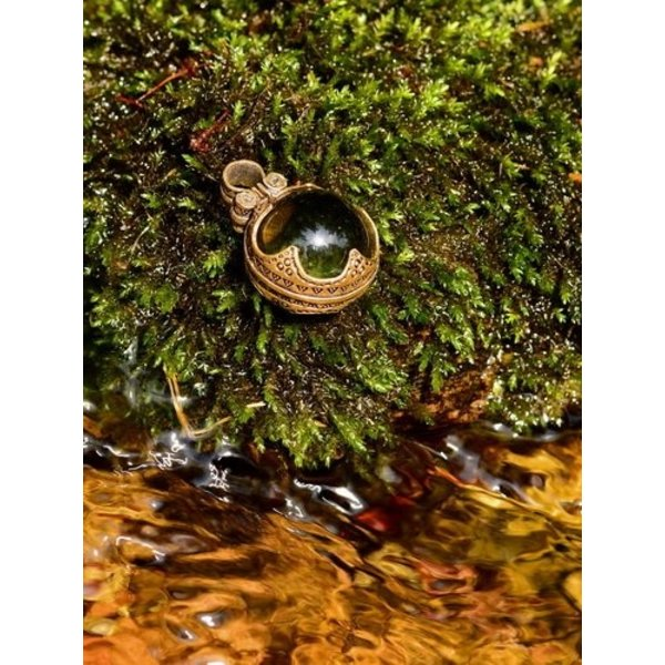 Gotland Viking mountain crystal L, bronze