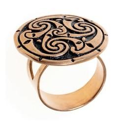 anillo celta con triskelion, bronce