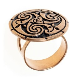 Celtic ring with triskelion, bronze