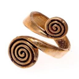 anillo celta con espirales, bronce
