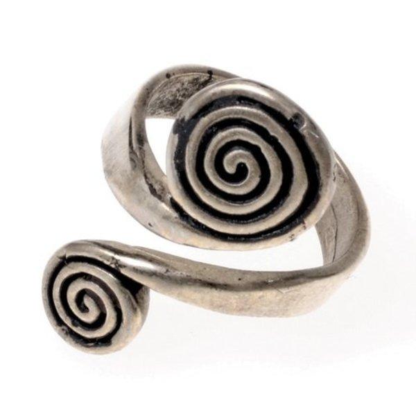 Keltische ring met spiralen, verzilverd