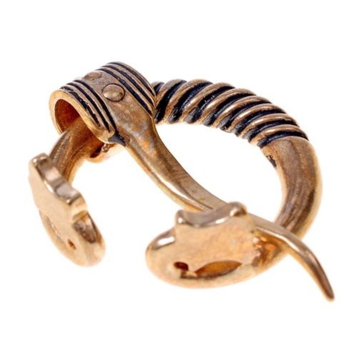 peroné anillo Báltico con cabezas de animales, argentado