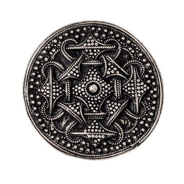 Gegranuleerde Viking schijffibula, verzilverd